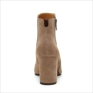 Lucky Brand Shoes - NIB LUCKY BRAND Shaynah Leather Side Zip Bootie.!